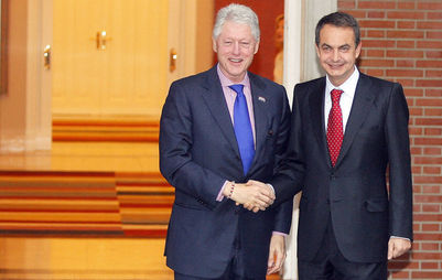 Bill Clinton y Zapatero comparten huevos rotos
